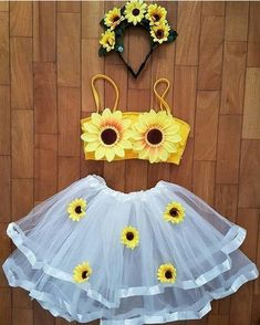 Best Friend Halloween Costumes, Purim Costumes, Halloween Outfits, Girl Costumes, Sunflower Party, Sunflower Room, Trendy Halloween, Disney Halloween, Halloween Kleidung