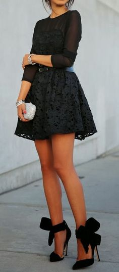 Lace & Bows // All Black