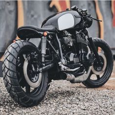 Yamaha XS1100 cafe racer by @relicmotorcycles