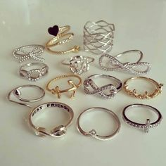 All the rings I need and want! Fancy Jewellery, Stylish Jewelry, Simple Jewelry, Cute Jewelry, Friend Jewelry, Best Friend Necklaces, Cute Rings, Pretty Rings, Fashion Rings