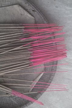 the smell of japanese encens Pink Grey, Pink Purple, Meditation, Chinese Element, Gris Rose, Color Photography, Shades Of Grey, Color Splash, Color Inspiration