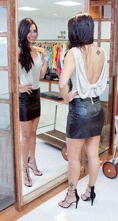 Another shot of Viviane modeling in front of the mirror. modeling the same very sexy tight leather mini. Queen Of Spades Wife, White Women, Sexy Women, Black Spades, Leather Mini Skirts, Skirt Fashion, Sexy Dresses, Casual Outfits, Hot Outfits
