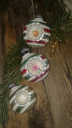Vintage Christmas Ornaments, Christmas Stuff, Christmas Time, Christmas Bulbs, Christmas Decorations, Holiday Decor, Shiny Brite Ornaments, Tis The Season, Santa