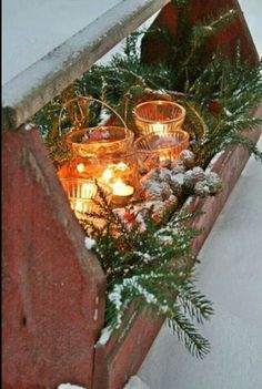 use my vintage wooden boxes Latest Christmas Decorations 2015 Christmas Celebrations Christmas Porch, Prim Christmas, Farmhouse Christmas Decor, Outdoor Christmas, Country Christmas, Winter Christmas, Vintage Christmas, Christmas Crafts, Christmas Greenery