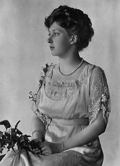 HRH The Princess Mary, Princess Royal, Countess of Harewood (1897-1965) - Zara Phillips Look-a-like