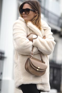 FINDING YOUR STATEMENT COAT WITH TOPSHOP | A FASHION FIX // UK FASHION AND LIFESTYLE BLOG