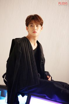 Mingyu You Made My Dawn Jacket Behind the Scene Jeonghan, Woozi, Wonwoo, Carat Seventeen, Mingyu Seventeen, Seventeen Album, Hip Hop, Rapper, Kim Min Gyu
