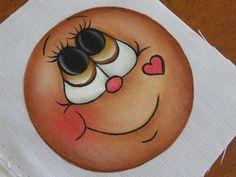 Oi pessoal, fiz vários rostinhos de boneca para inspirar as pessoas que gostam e tem dificuldade em pintar eles, aos poucos vou postando par... Fun Crafts, Christmas Crafts, Arts And Crafts, Stone Painting, Painting & Drawing, Gingerbread Ornaments, Tole Painting Patterns, Cartoon Eyes, Snowman Faces