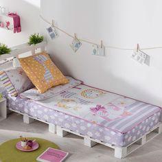 Kids Pallet Bed, Wood Pallet Beds, Pallet Patio Furniture, Kids Furniture, Big Boy Bedrooms, Kids Bedroom, Living Room Decor Colors, Bedroom Color Schemes, Diy Bed