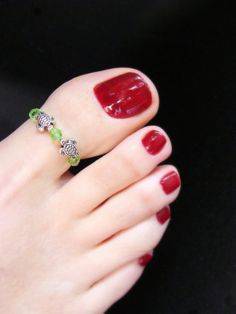 Big Toe Ring  Silver Turtles  Green Crystal Stretch Bead Toe Ring by FancyFeetBoutique, $8.50