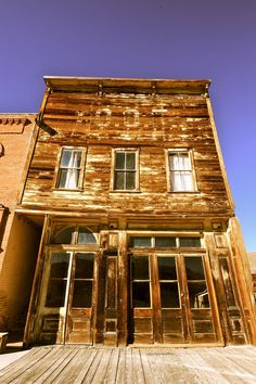 Ghost Town Store in Bodie, California -- Bodie is an isolated gold rush town, developed in the It was in decline by 1912 and fully abandoned by the Abandoned Buildings, Abandoned Mansions, Old Buildings, Abandoned Places, Bodie California, California Travel, Into The West, Le Far West, Old Barns