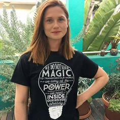 Harry Potter star Bonnie Wright is passionate about living an eco-friendly lifestyle--and she does it with *such* style. Bonnie Francesca Wright, Bonnie Wright, Gina Weasley, Harry Potter Actors, Long Red Hair, Gorgeous Redhead, Nikki Reed, Most Beautiful People, Beautiful Women