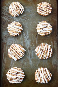 Carrot Cake Oatmeal Cookies with Cream Cheese Glaze Recipe Carrot Cake Oatmeal, Carrot Cake Cookies, Milk Cookies, Oatmeal Cookies, Cream Cheese Glaze, Cream Cheese Cookies, Cookie Glaze, Cookie Frosting, Dessert Cake Recipes