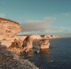 La beauté de cette ville...je ne m'en lasse pas ...        #bonifacio #corse #corsica #falaise #cliff #naturebeauty #sunsetpics #sunshine #mediterranean #sea Corsica, Water, Travel, Outdoor, Instagram, Wonders Of The World, Cliff, City, Gripe Water