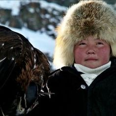 Eagle Huntress -- Gabriela loved but Greta said is slow Asian American, American Life, Cycle Of Life, The Rite, Rite Of Passage, 13 Year Olds, Girl Scouts, Eagles, Bald Eagle