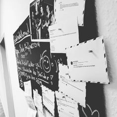 """Komplimente von Kunden und Kollegen haben bei uns jetzt einen besonderen Platz: Unsere neue """"Lobhudelwand"""". Im Flur. Sichtbar für alle. Damit jedes Lob auch wirklich ankommt und so positiv wirken kann, wie es soll. 🤩  #agenturleben #agenturalltag #motivation #lobhudelwand Lob, Polaroid Film, Cards Against Humanity, Motivation, Compliments, The Lob, Running, Inspiration"""
