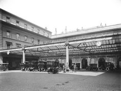 Euston station, about 1925 - Photos - Our collection Camden London, Old London, Euston Station, Station To Station, London History, British Rail, Vintage London, Flappers, London Photos