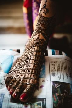 Mehendi Designs - Bridal Feet Mehendi Jaal and Peacock Design