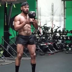 Try this single kettlebell flow and check out my ONLINE Primal Kettlebell Course for more! Available for 50% off at EricLeija.com! Link in my bio -30 seconds on -30 seconds rest -6 sets #kettlebell #workout #onlinecoach • ⚡️EricLeija.com⚡️