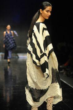 """ Kedem Sasoon   Tel Aviv Fashion Week (via Fashion- Not just for The Skinny Wench   Dreed * Tea) """
