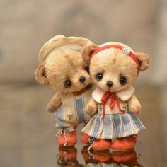 """[SOLD] Kostya and Mariska - OOAK 4,8"""" / Teddy Bears & Pals / Teddy Talk: Creating, Collecting, Connecting"""