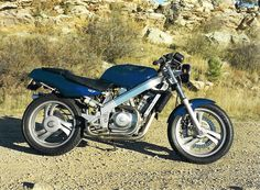 Honda Hawk .... Yesterday my brother came to show off his new motor.... Ahhhh just hope he'll be safe!