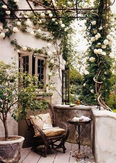 Beautiful French Cottage Garden Design Ideas – Decorating Ideas - Home Decor Ideas and Tips Outdoor Rooms, Outdoor Gardens, Outdoor Decor, Small Courtyard Gardens, Outdoor Living Spaces, French Courtyard, French Balcony, Small Balconies, Outdoor Balcony