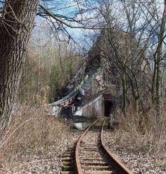 Spooky Scary, Creepy, Train Tracks, Abandoned Places, Ghosts, Old Houses, Barns, Apocalypse, Adventure