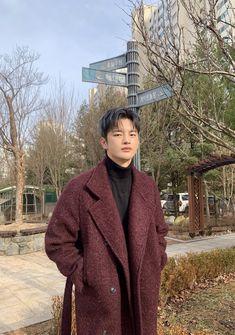 Drama Korea, Korean Drama, Kim Bum, Handsome Korean Actors, Seo In Guk, Boyfriend Pictures, Gong Yoo, Kdrama Actors, Boyfriend Material