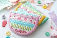 Retro Mama Scrap Happy Sewing | Simply Strippy Sewing Kit