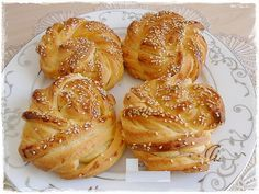 This is what you do when you have time to create with dough Croissants, Turkish Recipes, Ethnic Recipes, Savory Pastry, Cooking 101, Middle Eastern Recipes, Bread Rolls, Bread Baking, Kitchen Art