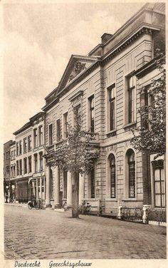Gerechtsgebouw - Steegoversloot - Dordrecht Family Roots, My Town, Childhood Memories, Netherlands, Holland, Dutch, Louvre, City, Building