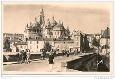 Vintage postcard of Cathdrale Saint-Front, Perigueux, France