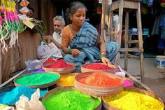 Spectacular Rangoli Designs Made from Naturally Colored Rice and Flour Pop Up in India