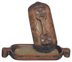 Wakahuia Koru Maori Treasure Box Kiwiana, Treasure Boxes, Wood Carving, New Zealand, Bookends, Gifts, Home Decor, Maori, Souvenir