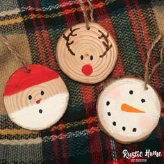 Excellent Images Christmas ornaments snowman Popular A unique mix on the regular and the offbeat, modern Christmas ornaments bring glow and shimmer on Modern Christmas Ornaments, Christmas Ornament Crafts, Christmas Crafts For Kids, Christmas Deco, Diy Christmas Gifts, Christmas Projects, Handmade Christmas, Holiday Crafts, Snowman Ornaments