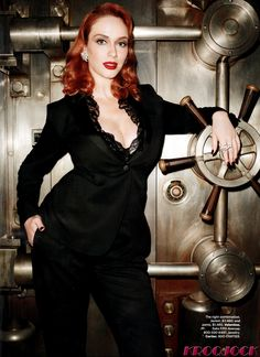 Christina Hendricks wows as Harpers Bazaar cover girl celebrities Christina Hendricks, Most Beautiful Faces, Beautiful Redhead, Beautiful Women, Beautiful People, Pretty People, Taurus, Beautiful Christina, Up Girl