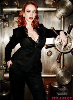Christina Hendricks wows as Harpers Bazaar cover girl celebrities Beautiful Christina, Beautiful Redhead, Beautiful Women, Beautiful People, Christina Hendricks, Taurus, Up Girl, Redheads, Red Hair