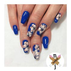 ✌✌ @nailjob Peachey Florals for Arielle | done with @vetro_usa gels on Cobalt Blue background #handpainted #nailjob #teamvetro #TeamValentino #nailart #nailcandy #nailed #nails #nailporn #nailsoftheday #nailedit #nailcandy