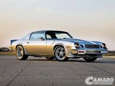 1977/'78 or'79 Chevy Camaro Z28 - hard to tell the difference between these three years at this angle.