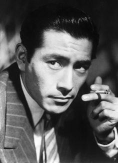 Toshiro Mifune, gifted Japanese actor who played in Yojimbo, Seven Samurai, Rashomon, and other films. Toshiro Mifune, Japanese Film, Japanese Men, Japanese Artists, Samurai, Akira, Black And White Portraits, The Villain, Feature Film