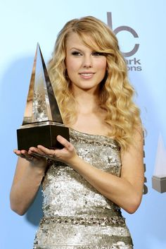 26 Things Taylor Swift Did In 2008 That She Would Never, Ever Do Now
