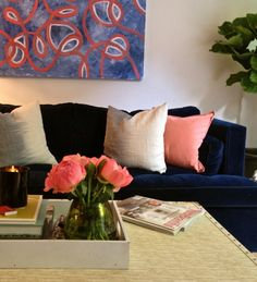 navy and coral room. I like those two colors together :) navy could be a nice in your room.make it really rich. Peach Living Rooms, My Living Room, Living Room Decor, Small Living, Dining Room, Navy Couch, Blue Couches, Paleta Pantone, Blue Velvet Sofa