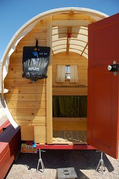 Tiny houses on pinterest tiny house houseboats and floating homes