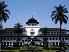 Gedung-Sate-Bandung.jpg