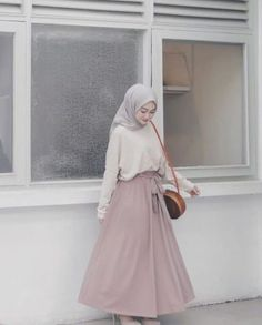 Fashion Hijab Casual Dresses Muslim 59 New Ideas Source by Source by FashionTipsAndAdvice ideas muslim Hijab Casual, Hijab Chic, Ootd Hijab, Modern Hijab Fashion, Street Hijab Fashion, Hijab Fashion Inspiration, Muslim Fashion, Skirt Fashion, Hijab Fashion Style