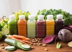 Want to try a juice cleanse for an instant detox? Finding out what to expect is your first step, so here's what happens to your body during a juice cleanse. Healthy Snacks For Diabetics, Healthy Foods To Eat, Healthy Eating, Healthy Juices, Healthy Tips, Pastas Recipes, Diet Soup Recipes, Smoothies, Smoothie Diet