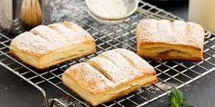 Συνταγή για νηστίσιμη μηλόπιτα με χαλβά και καρύδια -Χωρίς ζάχαρη, ιδανική για την Καθαρά Δευτέρα Brioche Bread, My Dessert, Bread And Pastries, Cornbread, Camembert Cheese, Biscuits, Dairy, Sweets, Ethnic Recipes