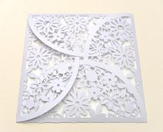 Free Cut File/ Gift Card Envelope, Beautiful box for that special small gift.She has beautiful files and all are free. Cricut Cuttlebug, Cricut Cards, Cricut Cartridges, Envelopes, Scan And Cut, Silhouette Cameo Projects, Cricut Creations, Flower Petals, Svg Cuts