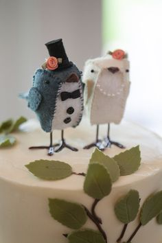 Felt Bird Bride and Groom Cake Toppers, via Etsy.